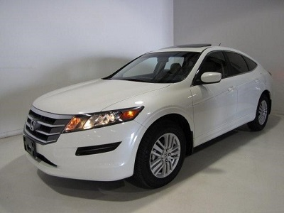 2012 honda crosstour ex l suv from used car dealerships in el paso tx a capable choice. Black Bedroom Furniture Sets. Home Design Ideas